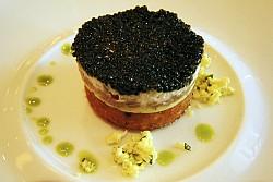 Bánh Mì Đen Và Trứng Cá Caviar