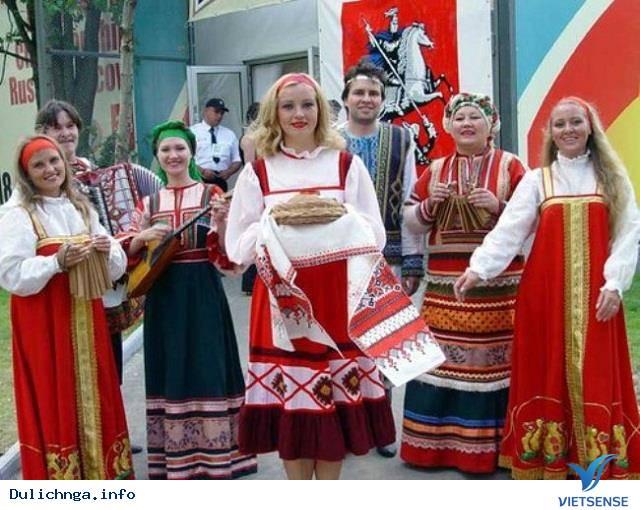 Phong tục đón khách của nước Nga