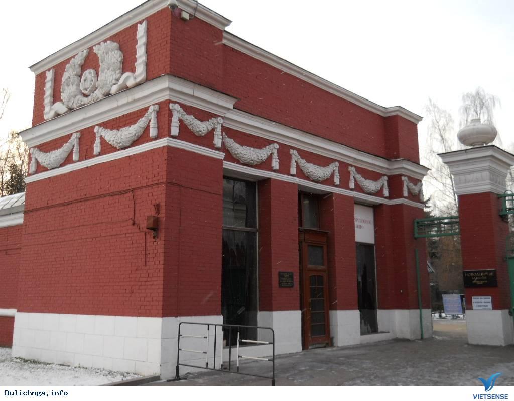 Ghé thăm nghĩa trang nghệ thuật Novodevichy, Moscow