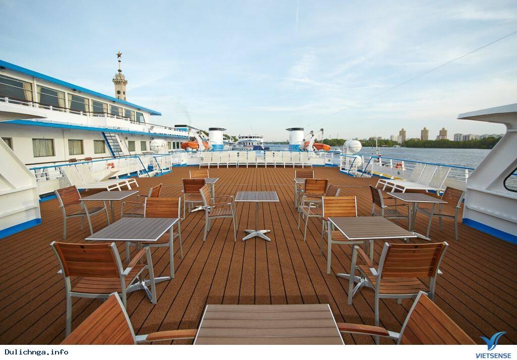Giới thiệu về tàu Yesenin - Du lịch Nga cùng Vietsense Travel