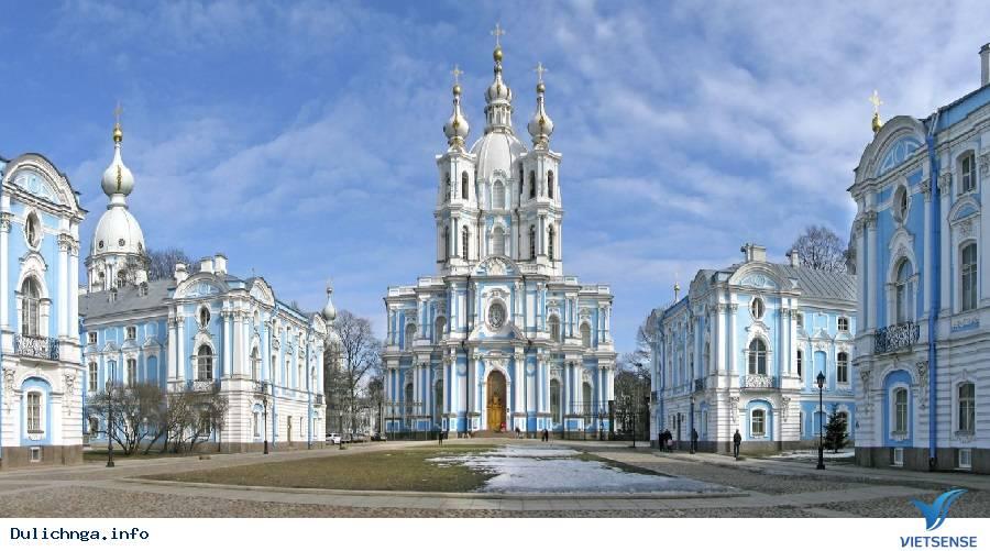 Nhà thờ Smolny – điểm đến độc đáo tại Saint Petersburg