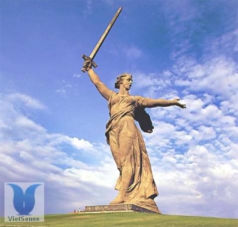 Tượng đài Mẹ Tổ quốc kêu gọi, du lịch nga